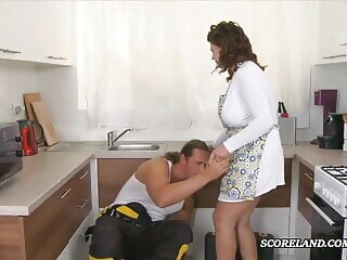 blowjob housewife with massive tits bich boobs